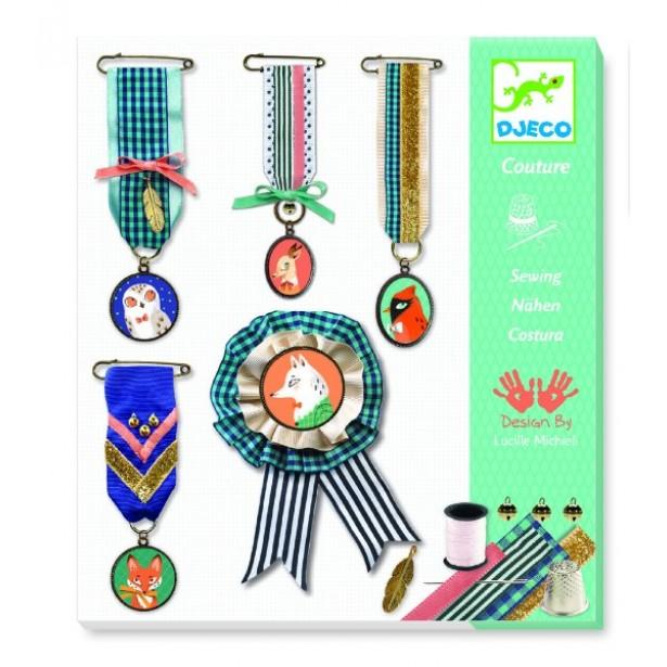 Atelier de confectionat medalii Djeco